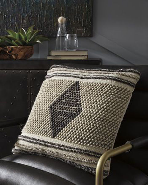 Picture of Pillow (4/CS)/Ricker