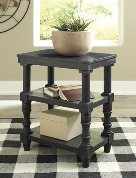 Picture of Accent Table/Dannerville