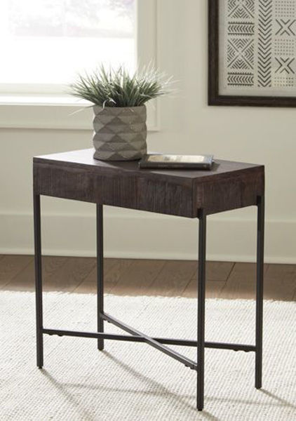 Picture of Accent Table/Matler