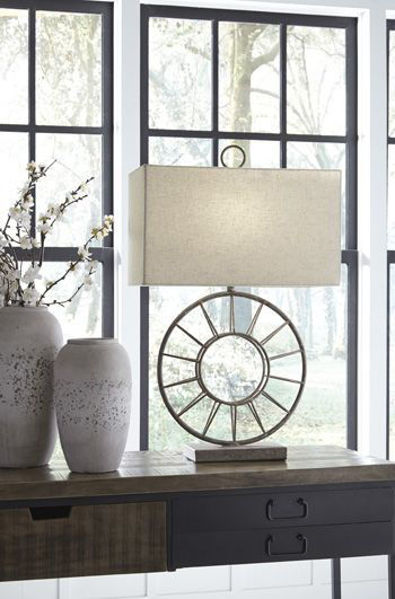 Picture of Metal Table Lamp (1/CN)/Kavia
